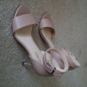 Size 6 Nine West Nude Heels